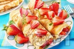 Палачинки от прясно мляко с ягоди и крем от сирене маскарпоне и кондензирано мляко - снимка на рецептата